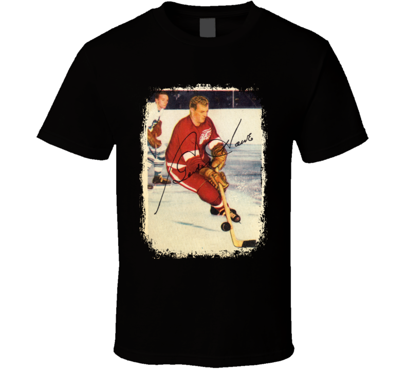 Gordie Howe Mr .Hockey Legend  Vintage Hockey Card Worn Look T Shirt