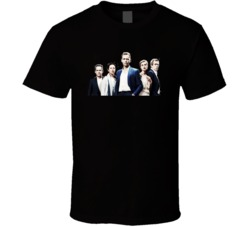 olivia colman Golden Globe for The Night Manager t shirt