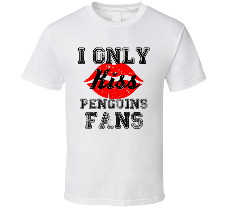 I Only Kiss Pittsburgh Fans Hockey Team T Shirt