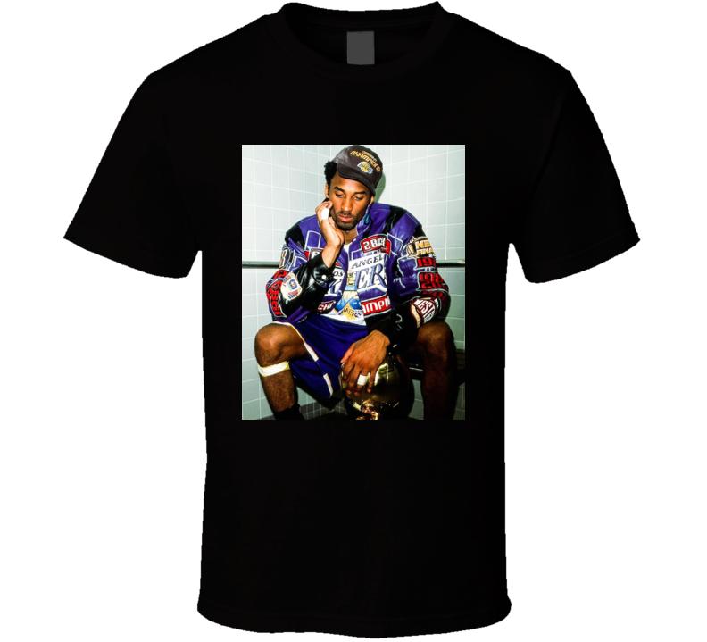 Kobe Sitting With Trophy 2001 Vintage T Shirt