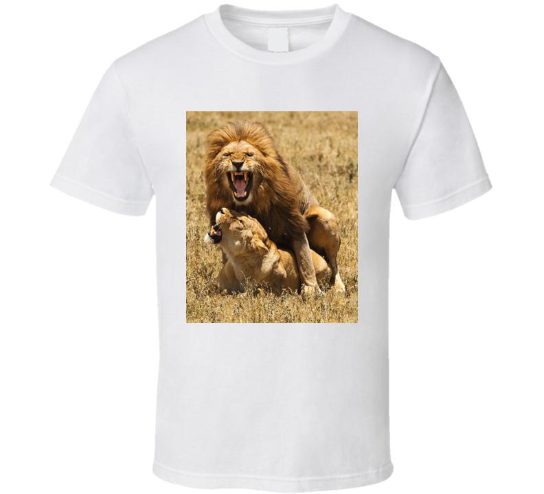 Lion Mating Art Fan T Shirt