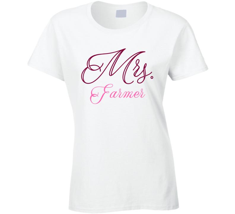 Mrs Farmer Last Name Funny T Shirt