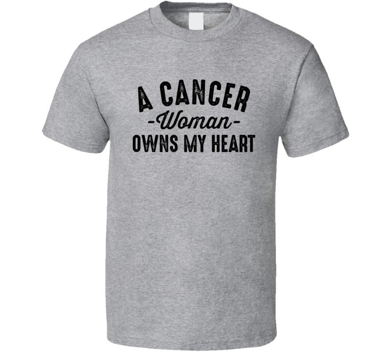 A Cancer Woman Owns My Heart Horoscope Fan T Shirt