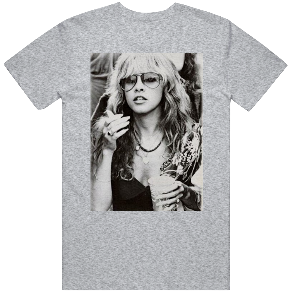 Stevie Nicks Smoking Young Vintage Music Fans  T Shirt